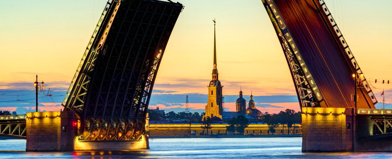Moscow-StPetersburg_River-Cruise._Palace-Bridge