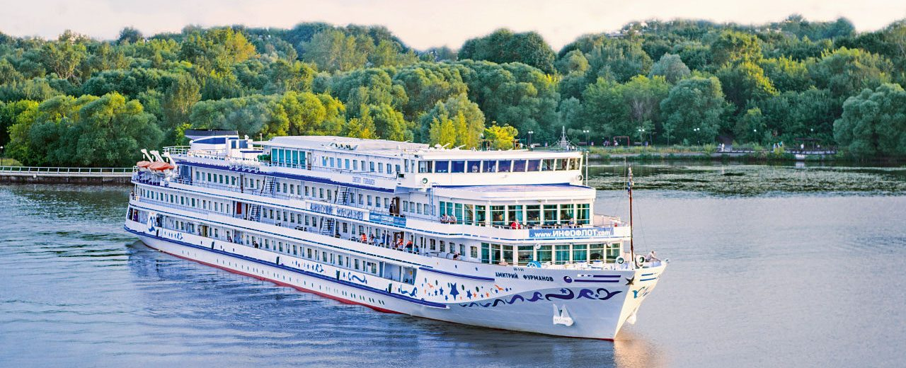 Moscow-StPetersburg_River-Cruise_Ship