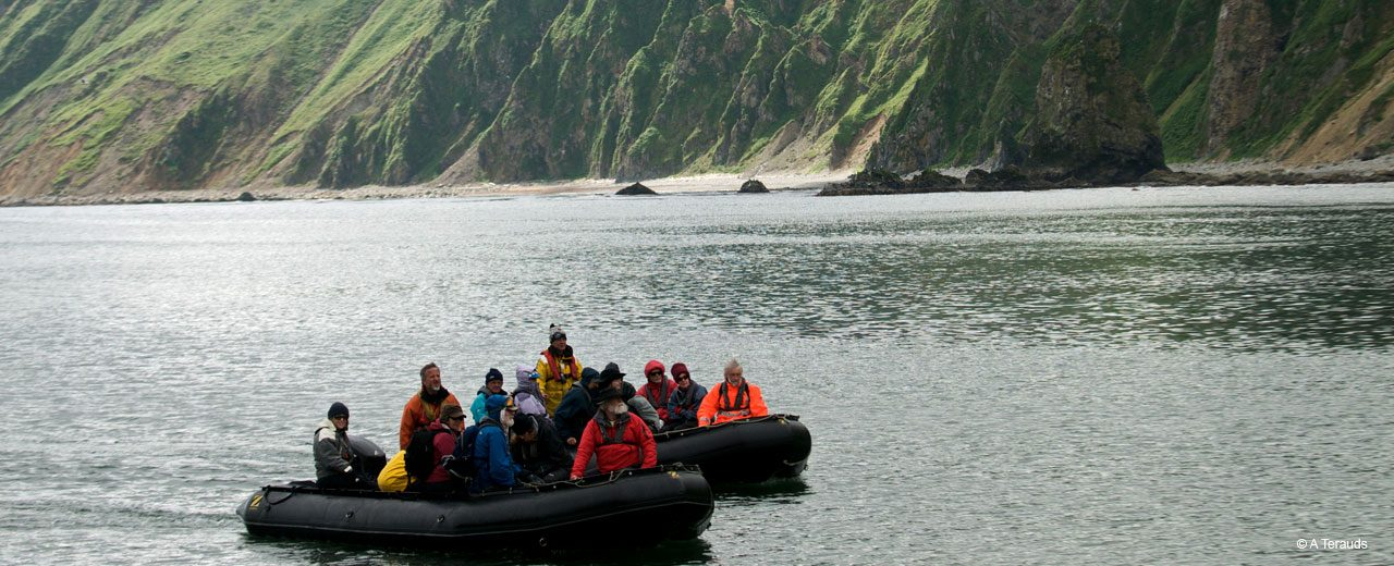 Siberia_discovery_by_dinghy
